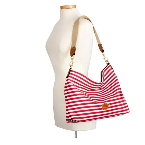 Dooney & Bourke Handbags - Dooney & Bourke Sullivan extra large Courtney sac